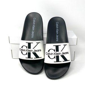 Calvin Klein Mavett Monogram Slide Sandal White M